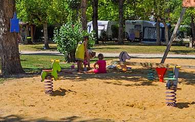 Aire de jeux en Gironde