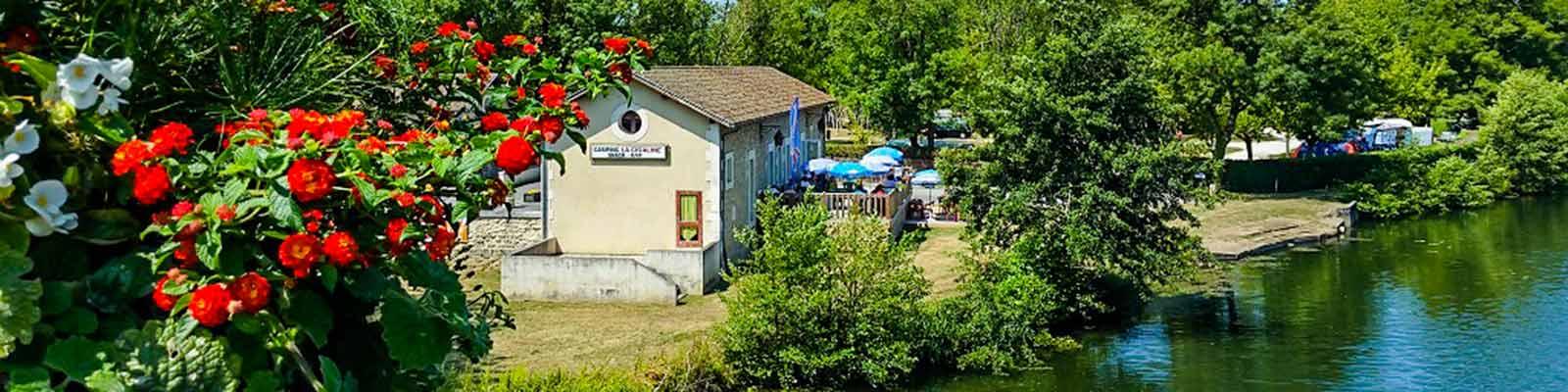 Camping au croisement de la Dordogne de la Gironde et de la Charente