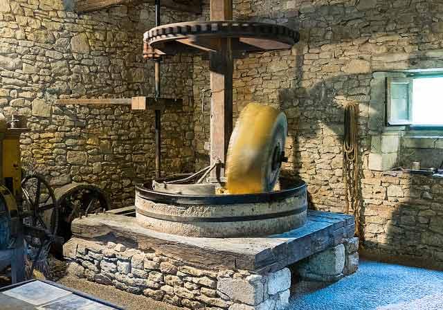 vositer moulin huile de noix à Neuvic