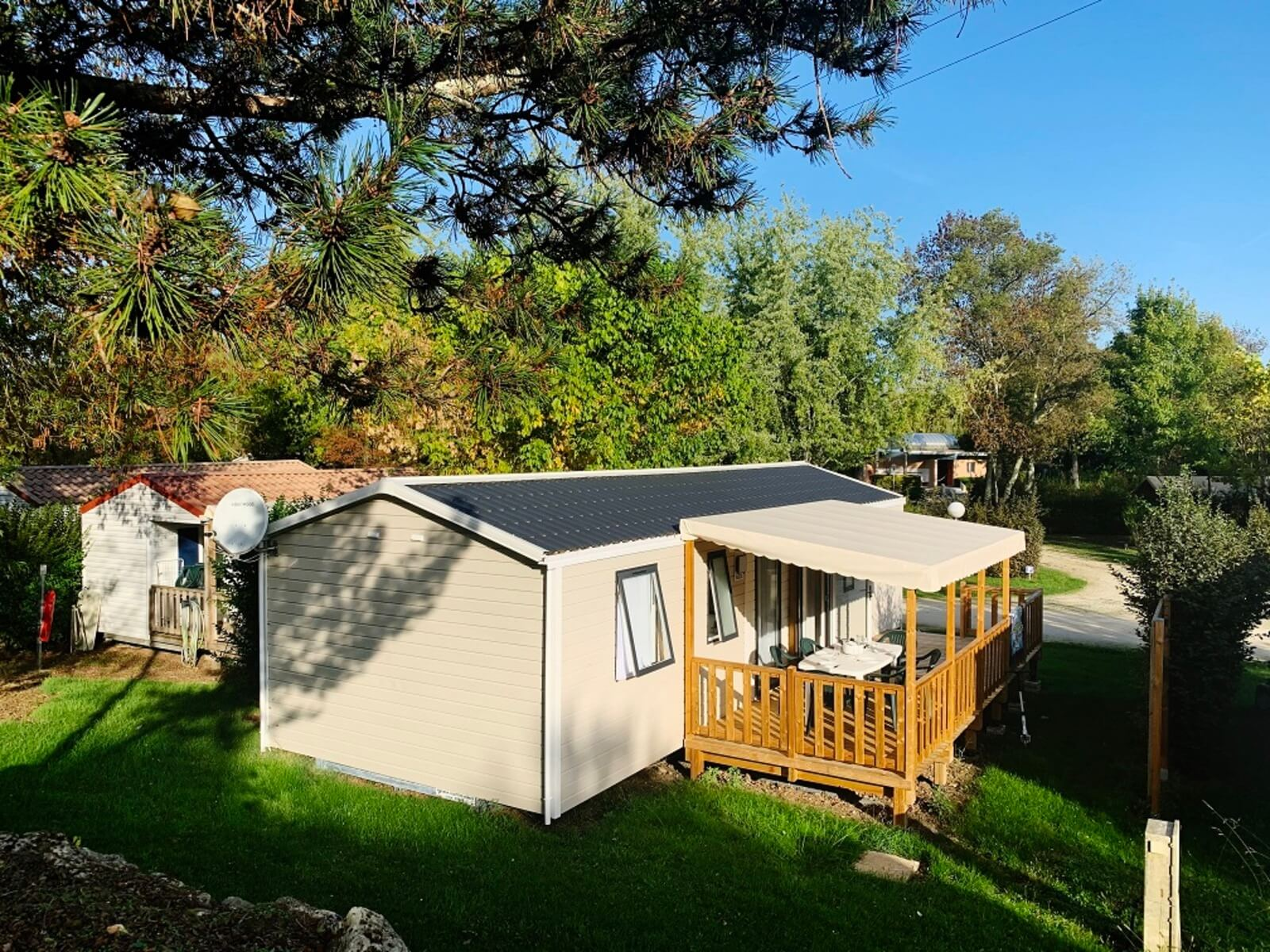 four bedroom mobile home  two bathroom in dordogne